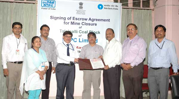 NTPC signed Tripartite Escrow Agreement for its coal blocks Chatti-Bariatu in Jharkhand & Talaipalli in Chhattisgarh  with Coal Controller & SBI at Coal Controller Office today in Kolkata. This is as per the Mine Closure Plan of MOC & a pre-requisite for Mine Opening Permission.