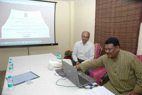 "The Minister for Tribal Affairs,  Jual Oram launching the new website of TRIFED (Tribal Co-operative Marketing Development Federation of India) ""MFPnet"", in New Delhi on July 08, 2014."