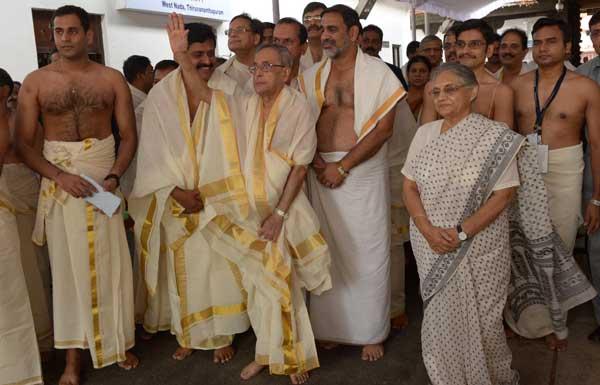 The President of India, Pranab Mukherjee, visiting Padmanabha Swami Temple at Trivandrum, Kerala on July 19, 2014.