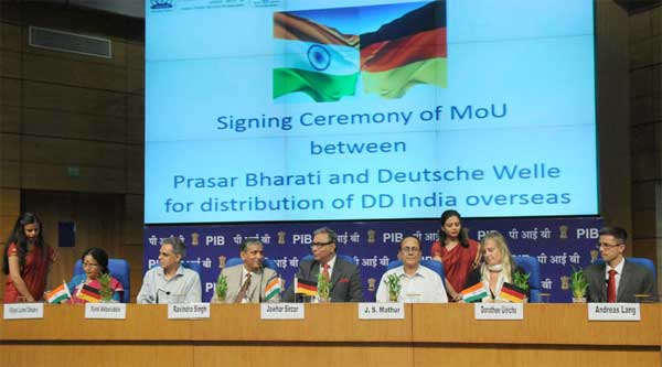 The signing ceremony of a Memorandum of Understanding between Prasar Bharati and Deutsche Welle the Public Broadcaster of Germany, in New Delhi on August 05, 2014.