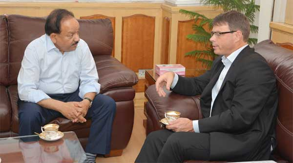 The High Commissioner of Australia to India, Patrick Suckling calling on the Union Minister for Health and Family Welfare, Dr. Harsh Vardhan, in New Delhi on August 28, 2014.