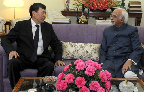 Ambassador of Vietnam to India, Mr. Nguyen Thanh Tan calling on the Vice President, Shri Mohd. Hamid Ansari