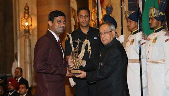 ONGC's V. Diju receiving Arjuna award from the President