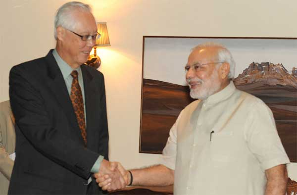 The former Prime Minister of Singapore, Goh Chok Tong calling on the Prime Minister, Narendra Modi, in New Delhi on September 10, 2014.