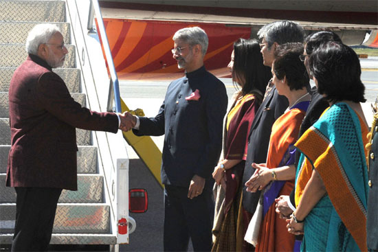 PM Narendra Modi being received on his arrival in New York
