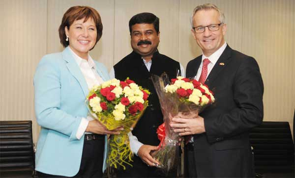The Minister of State (Independent Charge) for Petroleum and Natural Gas, Dharmendra Pradhan meeting the Minister of International Trade, Canada, Ed Fast and the Premier of British Columbia, Canada, Christy Clarke, in New Delhi on October 14, 2014.