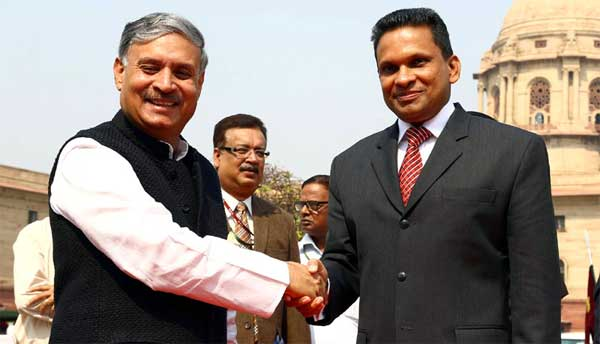 The Minister of State for Planning (I/C), Statistics and Programme Implementation (I/C) and Defence, Rao Inderjit Singh receiving the Defence and National Security Minister of Maldives, Mohamed Nazim, in New Delhi on October 21, 2014.