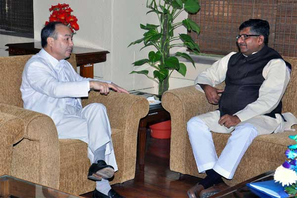 The Chairman and CEO of SoftBank Corporation, Japan, Masayoshi Son meeting the Union Minister for Communications & Information Technology and Law & Justice, Ravi Shankar Prasad, in New Delhi on October 27, 2014.