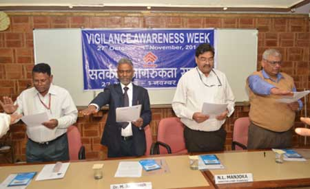 Seen in the picture from Left to Right are the Senior Officials from HUDCO :  PRK Naidu, IPS, CVO,  Dr. M Ravikanth, CMD,  N L Manjoka, Director Corporate Planning and  A K Kaushik, Director Finance