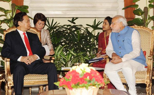 Prime Minister, Shri Narendra Modi and the Prime Minister of Socialist Republic of Vietnam, Mr. Nguyen Tan Dung