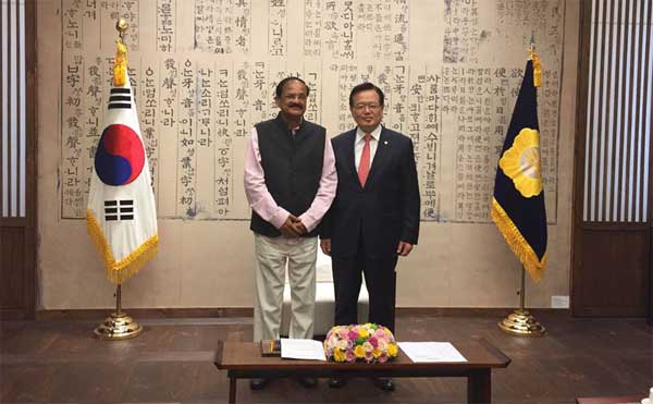 The speaker of South Korea National Assembly, Dr. Kang Chang-Hee meeting the Union Minister for Urban Development, Housing and Urban Poverty Alleviation and Parliamentary Affairs, M. Venkaiah Naidu, in South Korea on November 05, 2014.