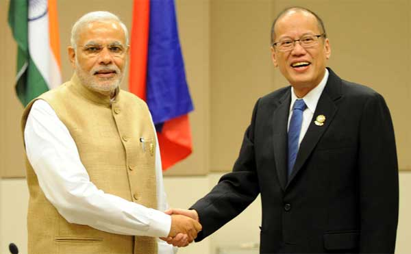 The Prime Minister, Narendra Modi meets the President of the Philippines, Benigno Simeon Cojuangco Aquino III, in Nay Pyi Taw, Myanmar on November 13, 2014.
