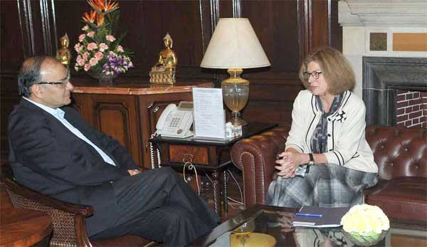 The US Ambassador to India, Kathleen Stephens the Union Minister for Finance, Corporate Affairs and Information & Broadcasting, Arun Jaitley, in New Delhi on November 19, 2014.