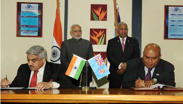 The Prime Minister, Narendra Modi and the Prime Minister of Fiji, Frank Bainimarama witnessing the signing of agreements, in Suva, Fiji on November 19, 2014.