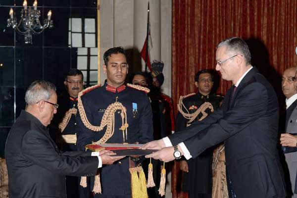 The Ambassador-Designate of Egypt, Hatem El Sayed Tageldin presenting his credential to the President, Pranab Mukherjee, at Rashtrapati Bhavan, in New Delhi on December 09, 2014.