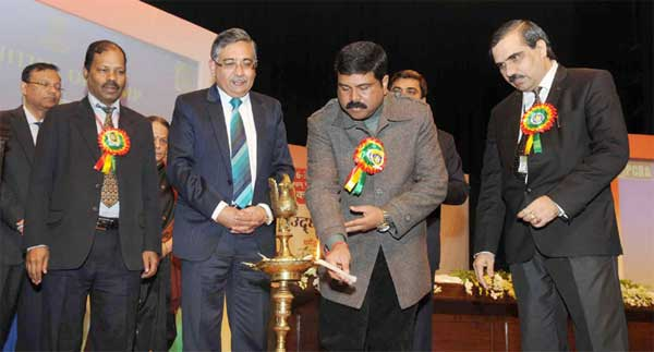 The Minister of State for Petroleum and Natural Gas (Independent Charge), Dharmendra Pradhan lighting the lamp to inaugurate the Oil & Gas Conservation Fortnight of PCRA 2015, in New Delhi on January 16, 2015. The Secretary, Ministry of Petroleum & Natural Gas, Saurabh Chandra is also seen.