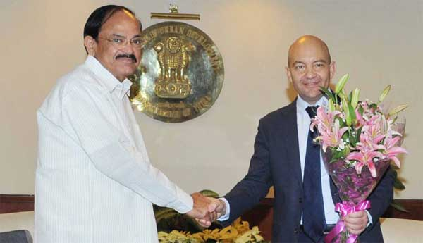 The Minister of State for Commerce, Spain, Jaime Garcia Legaz meeting the Union Minister for Urban Development, Housing and Urban Poverty Alleviation and Parliamentary Affairs, M. Venkaiah Naidu, in New Delhi on February 03, 2015.