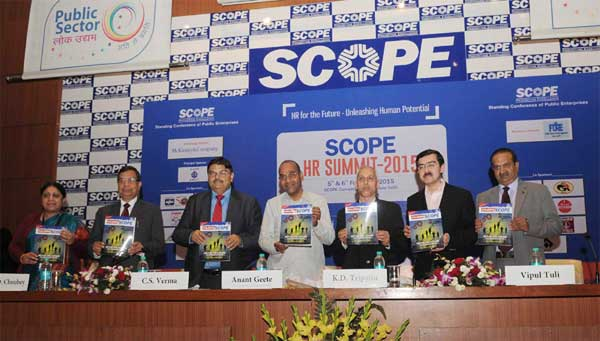 """The Union Minister for Heavy Industries and Public Enterprises, Anant Geete releasing the publication at the inauguration of the """"SCOPE HR Summit 2015: HR for the Future - Unleashing Human Potential"""", in New Delhi on February 05, 2015."""