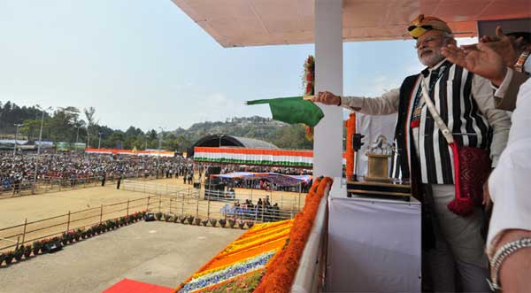 The Prime Minister, Narendra Modi flagging off the AC express between Naharlagun and New Delhi, at Itanagar, in Arunachal Pradesh on February 20, 2015.