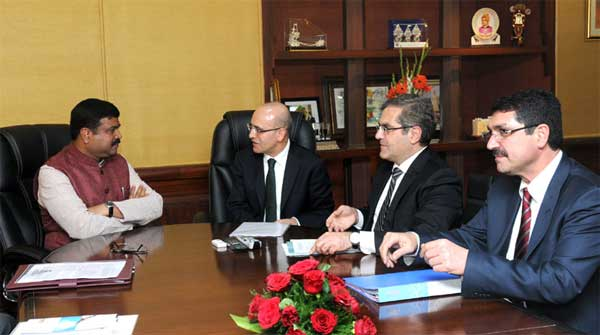 The Finance Minister of Republic of Turkey, Mehmet Simsek meeting the Minister of State for Petroleum and Natural Gas (Independent Charge), Dharmendra Pradhan, in New Delhi on February 24, 2015.