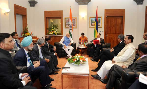 The Prime Minister, Narendra Modi and the Prime Minister of Mauritius, Sir Anerood Jugnauth at the delegation level talks, in Mauritius on March 11, 2015.