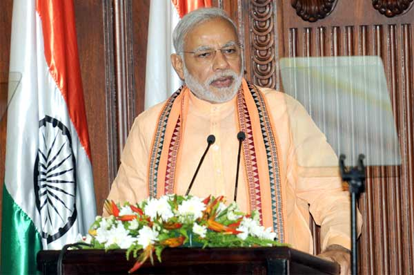 The Prime Minister, Narendra Modi addressing at the Joint Press Statement, in Colombo, Sri Lanka on March 13, 2015.
