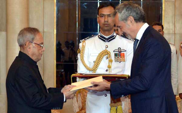 The Ambassador-designate of Italy, Enzo Angeloni presenting his credential to the President, Pranab Mukherjee, at Rashtrapati Bhavan, in New Delhi on March 18, 2015.