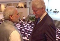 The former President of USA, Mr. Bill Clinton meeting the Prime Minister, Narendra Modi, in Singapore on March 29, 2015.
