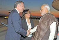 The Prime Minister, Narendra Modi being received by the Minister of State for Sports, France, Thierry Braillard on his arrival, at Paris