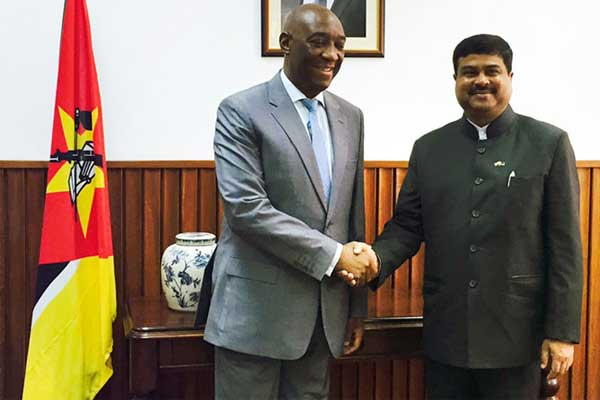 The Minister of State for Petroleum and Natural Gas (Independent Charge), Dharmendra Pradhan meeting the Minister of Foreign Affairs, Mozambique, Oldemiro Julio Marques Baloi, in Mozambique.