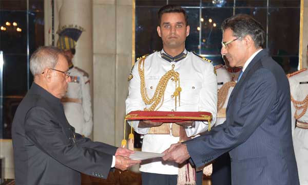 The High Commissioner-designate of Cyprus, Demetrios A. Theophylctou presenting his credential to the President, Pranab Mukherjee, at Rashtrapati Bhavan, in New Delhi on April 30, 2015.
