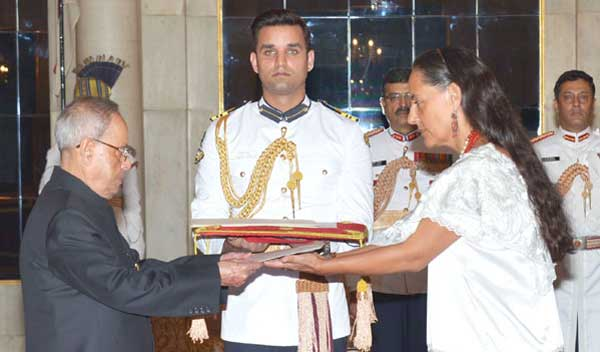 The Ambassador-designate of Mexico, Melba Maria Pria Olavarrieta presenting his credential to the President, Pranab Mukherjee, at Rashtrapati Bhavan, in New Delhi on April 30, 2015.