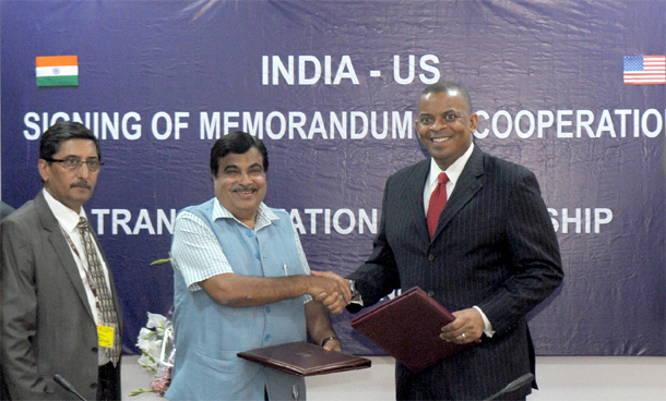 MoU : Minister for Road Transport & Highways and Shipping, Nitin Gadkari and the Secretary of Transportation, United States of America, Mr. Anthony Foxx