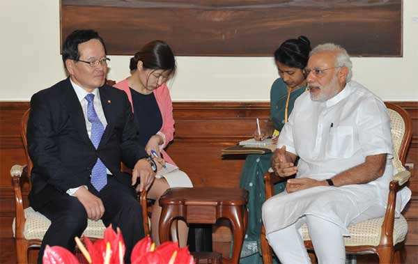 The Speaker of the National Assembly of South Korea, Chung Eui Hwa calling on the Prime Minister, Narendra Modi, in New Delhi on May 08, 2015.