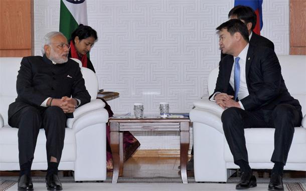 Prime Minister Narendra Modi meeting the Prime Minister of Mongolia, Chimed Saikhanbileg at the State Palace in Mongolia