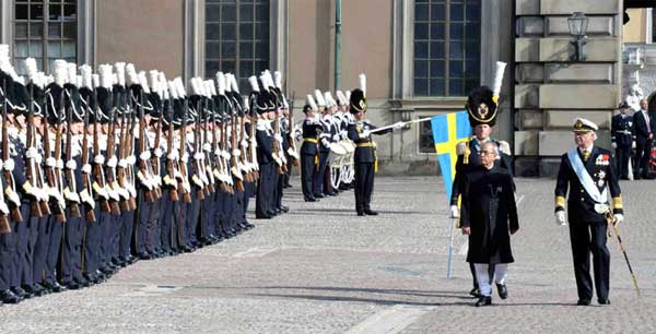 The President, Pranab Mukherjee inspecting the Guard of Honour, at Stockholm, in Sweden on May 31, 2015.