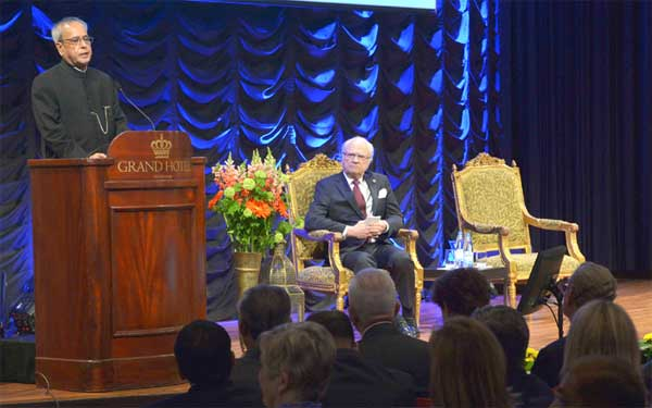 The President, Pranab Mukherjee addressing at the Seminar on India-Sweden Partnership – Co-creating a Brighter Future, in Stockholm, Sweden on June 02, 2015. The King Carl XVI Gustf is also seen.