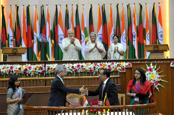 PM Narendra Modi & PM Bangladesh Sheikh Hasina witnessing the exchange of agreements between India & Bangladesh in Dhaka, Bangladesh