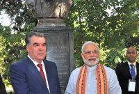 The Prime Minister, Narendra Modi shaking hands with the President of Tajikistan, Emomali Rahmon