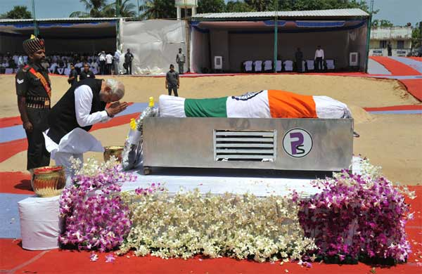 The Prime Minister, Narendra Modi pays homage to the former President of India, Dr. A.P.J. Abdul Kalam, at burial site, Rameswaram, in Tamil Nadu on July 30, 2015.