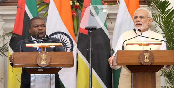 The Prime Minister, Narendra Modi giving his statement to the media with the President of the Republic of Mozambique, Filipe Jacinto Nyusi, at the Joint Press Briefing, in New Delhi on August 05, 2015.
