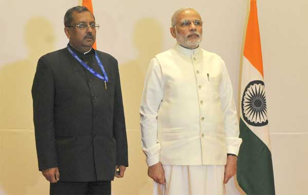 The Prime Minister, Narendra Modi at the reception hosted by the Ambassador of India in United Arab Emirates (UAE),  T.P. Seetharam, at Dubai on August 17, 2015.