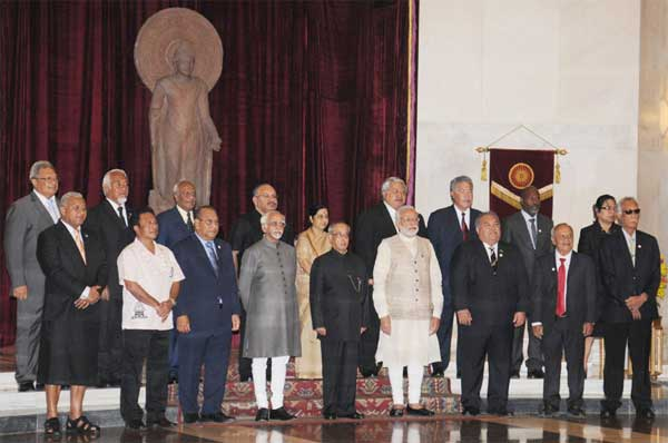 The President, Pranab Mukherjee, the Vice President, Mohd. Hamid Ansari, the Prime Minister, Narendra Modi and the Union Minister for External Affairs and Overseas Indian Affairs, Sushma Swaraj at the Ceremonial Reception of Heads of States arriving for the Forum for India-Pacific Islands Cooperation Summit, at Rashtrapati Bhawan, in New Delhi on August 20, 2015.
