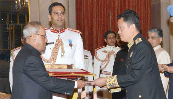 The Ambassador-designate of the Kingdom of Cambodia, Pichkhun Panha presenting his credential to the President, Pranab Mukherjee, at Rashtrapati Bhavan, in New Delhi on August 28, 2015.