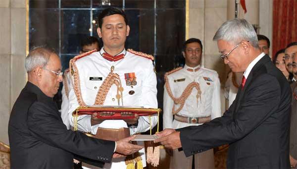 The Ambassador-designate of Mongolia, Gonchig Ganbold presenting his Credentials to the President, Pranab Mukherjee, at Rashtrapati Bhavan, in New Delhi on September 02, 2015.