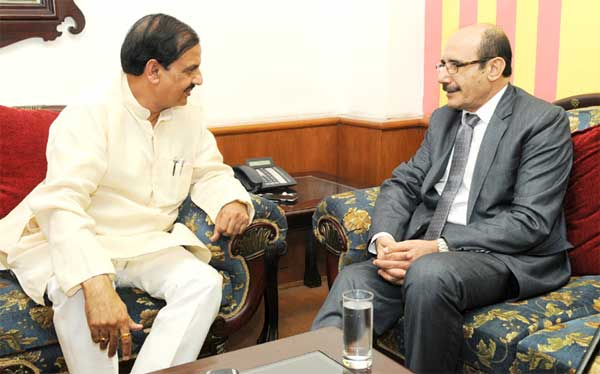 The Ambassador of the State of Palestine, Adnan M.A. Abualhayjaa meeting the Minister of State for Culture (Independent Charge), Tourism (Independent Charge) and Civil Aviation, Dr. Mahesh Sharma, in New Delhi on September 03, 2015.