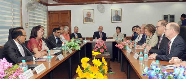 A delegation led by the President, American Jewish Committee, Stanley Bergman calling on the Union Minister for Minority Affairs, Dr. Najma A. Heptulla, in New Delhi on October 13, 2015. The Secretary, Ministry of Minority Affairs, Dr. Arvind Mayaram is also seen.