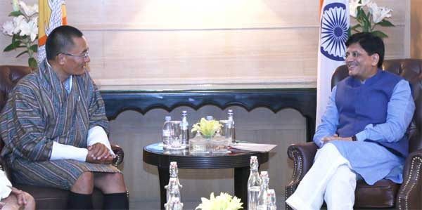 The Minister of State (Independent Charge) for Power, Coal and New and Renewable Energy,  Piyush Goyal meeting the Prime Minister of Bhutan, Tshering Tobgay, in New Delhi on November 16, 2015.