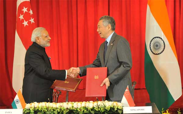 The Prime Minister, Narendra Modi and the Prime Minister of Singapore, Lee Hsien Loong, during the signing ceremony, in Istana, Singapore on November 24, 2015.