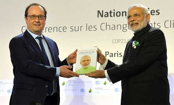 The Prime Minister, Narendra Modi and the President of France, Francois Hollande at launch of the International Solar Alliance, during the COP21 Summit, in Paris, France on November 30, 2015.